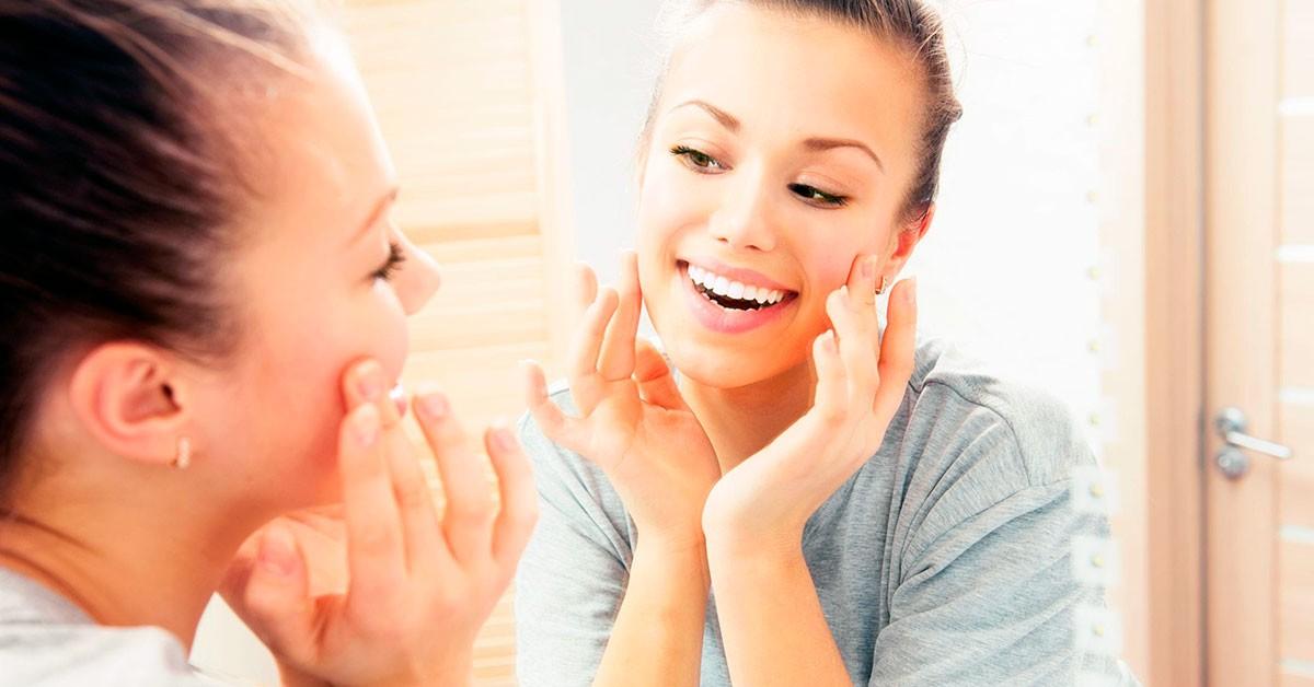 Угревая сыпь неправильного ухода за кожей закупорка пор кожи